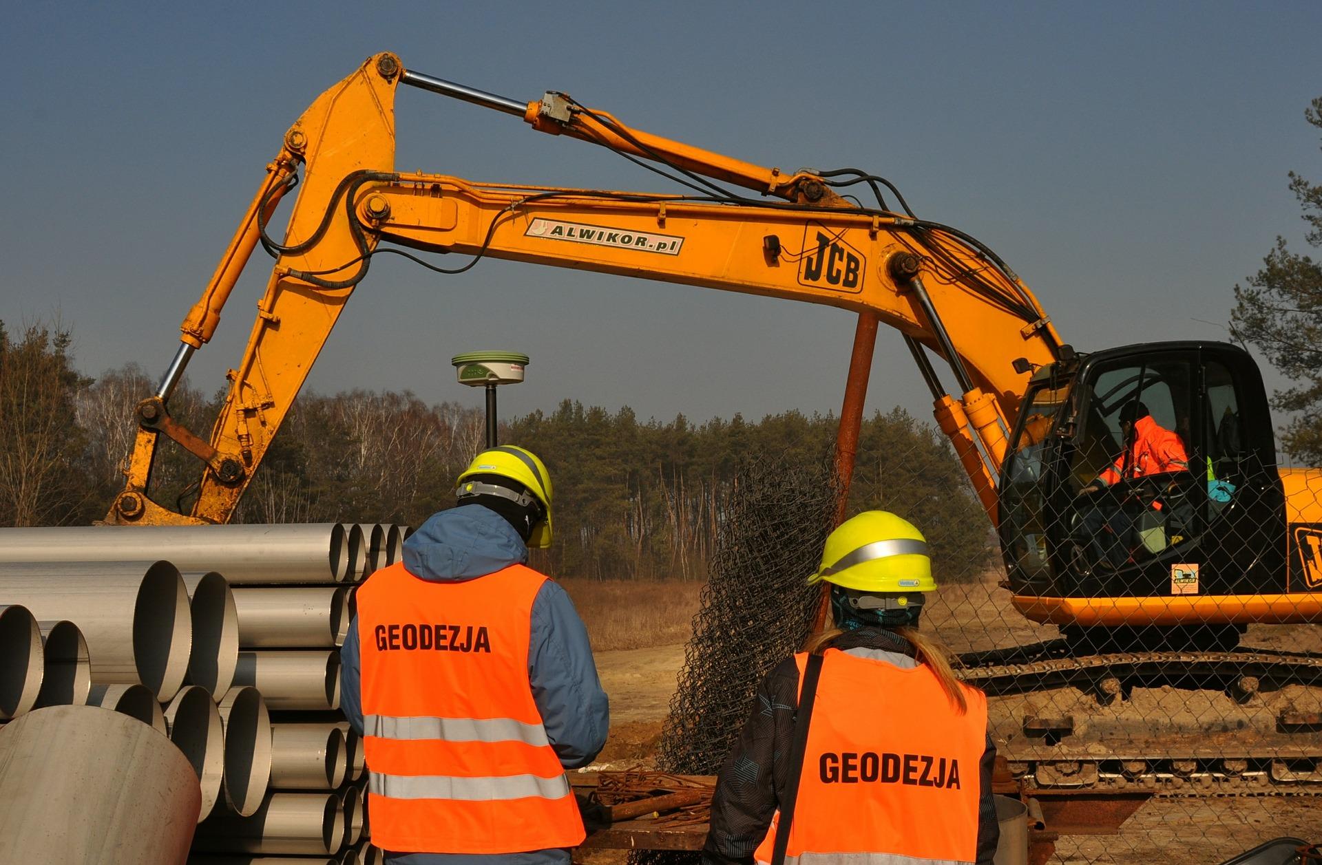 excavator-585455_1920